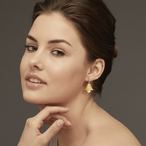 Diamond And White Pearl Earring In Yellow Gold (14.52 Gram) With Diamonds (0.082 Ct)